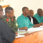 Col.Tom Byabagamba, (Rtd) Brig.Gen.Frank Rusagara ubu bafatwa nk'abazi b'igihugu kandi nabo bararwanye nka Kagame. hari uwarwanye se kurusha Kayumba Nyamwasa. Nawe yabaye umwanzi w'igihugu. Yewe, iby'isi ni gatebe gatoki.