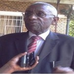 Senateri Karangwa Chrysologue wari uyoboye itsinda ryo guskusanya ibitekerezo