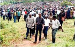 Kagame-at-Umuganda-with-residents-of-Nduba-in-Gasabo-District-Kigali-26-November-2011