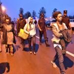 Rwiagara Diane na Nyina azamuye Bibiliya igihe Polisi yari ibashoreye