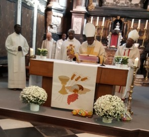 Mu Bubiligi bizihije imyaka 75 Musenyeri Servilien Nzakamwita amaze avutse