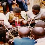 Hagati yo kurwanya ubukene no kubaka demokarasi Kagame ahitamo iki ?